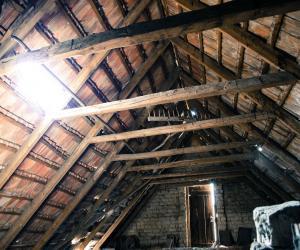 attic-112266_1280(1)