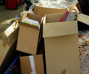 cartons-970950_1280(1)